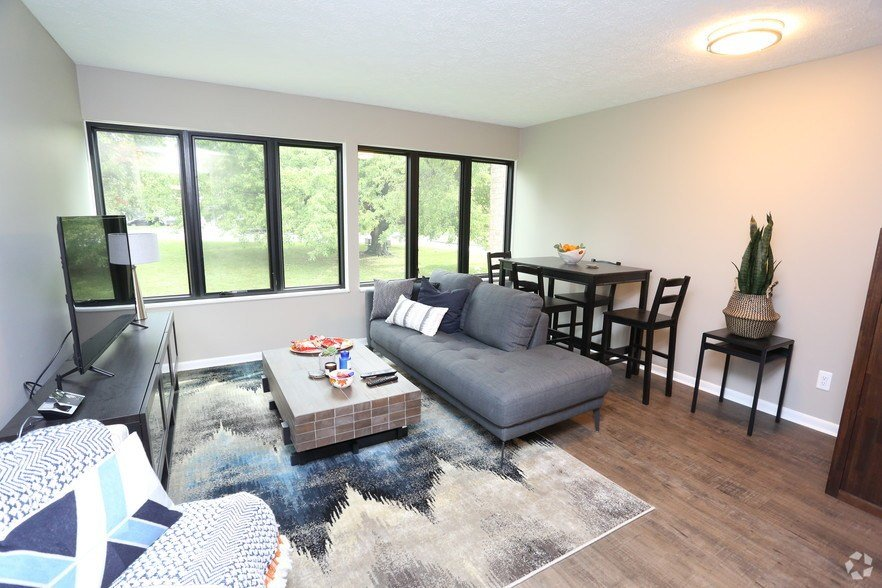 Best The August Newly Redesigned Apartments For Rent In With Pictures