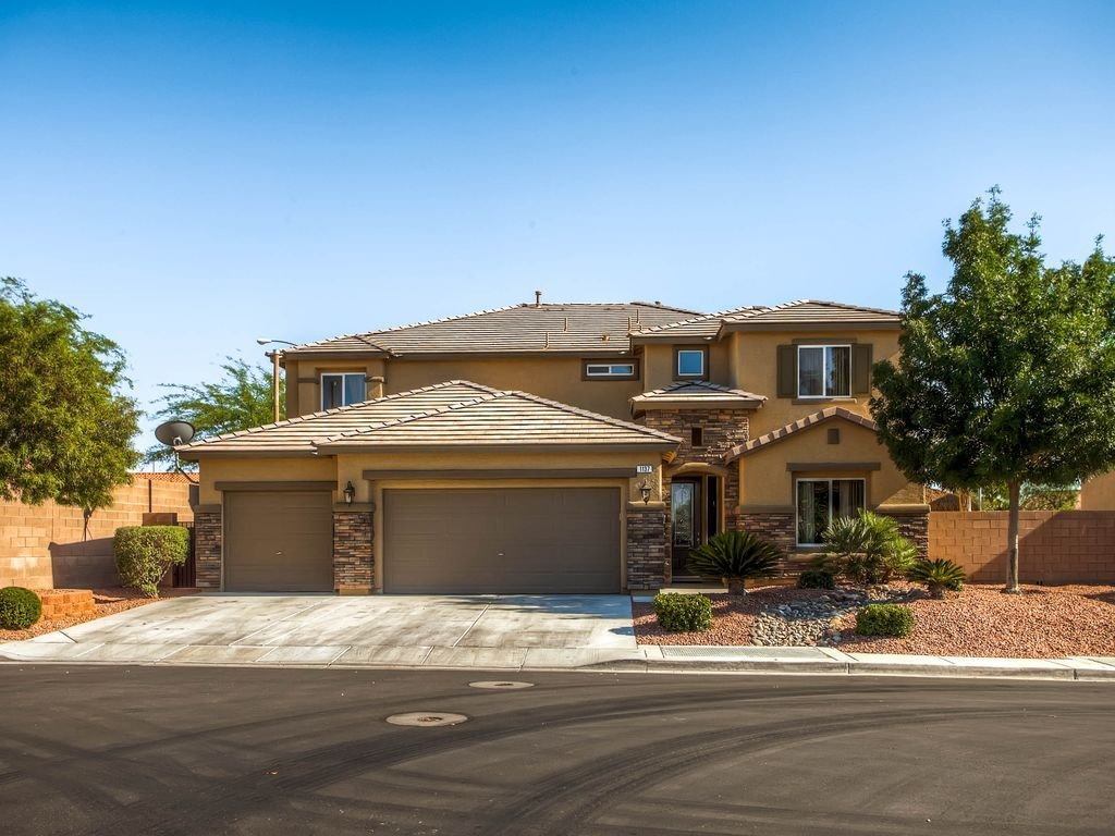 Best Gated 5 Bedroom Home With Pool 5 Br Vacation House For Rent In Las Vegas Nevada Homeaway Ca With Pictures