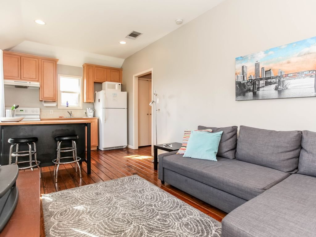 Best One Bedroom Garage Apartment In Central Austin Vrbo With Pictures
