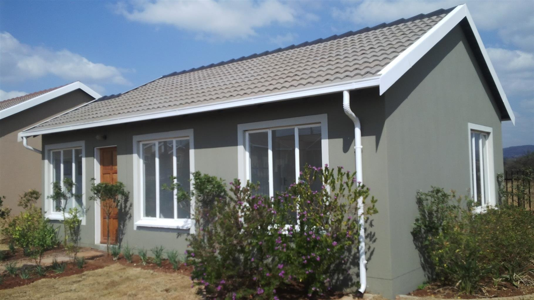 Best Buy A 2 Bedroom Houses In Rosslyn Pretoria North Junk Mail With Pictures