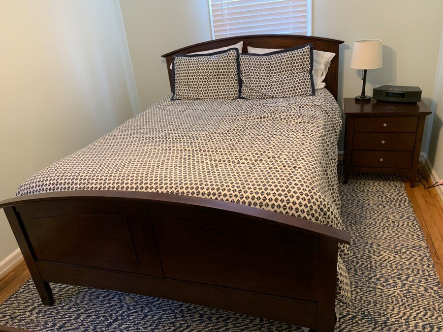 Best Used Queen Bedroom Set For Sale In Durham Letgo With Pictures