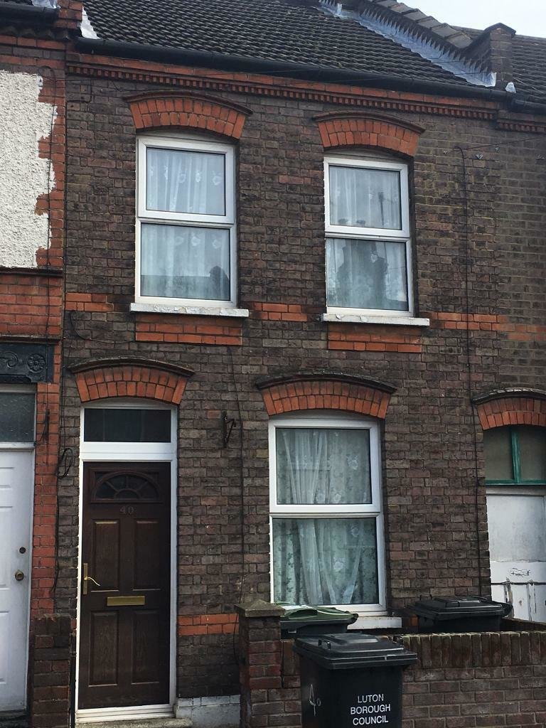 Best 2 Bedroom House For Rent In Whitby Road Luton In Luton Bedfordshire Gumtree With Pictures