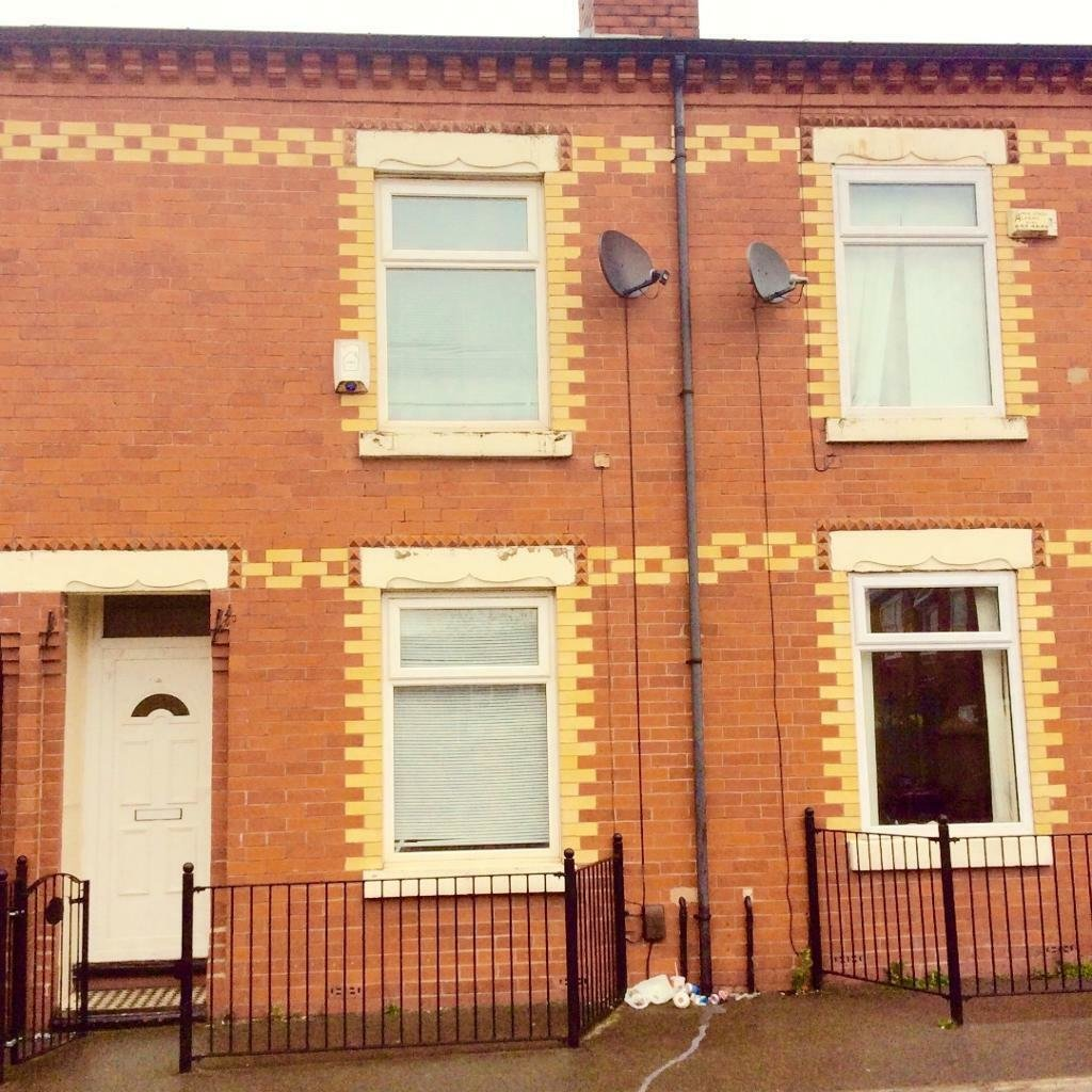 Best 2 Bedroom House In Beverly Street Moston Manchester M9 With Pictures