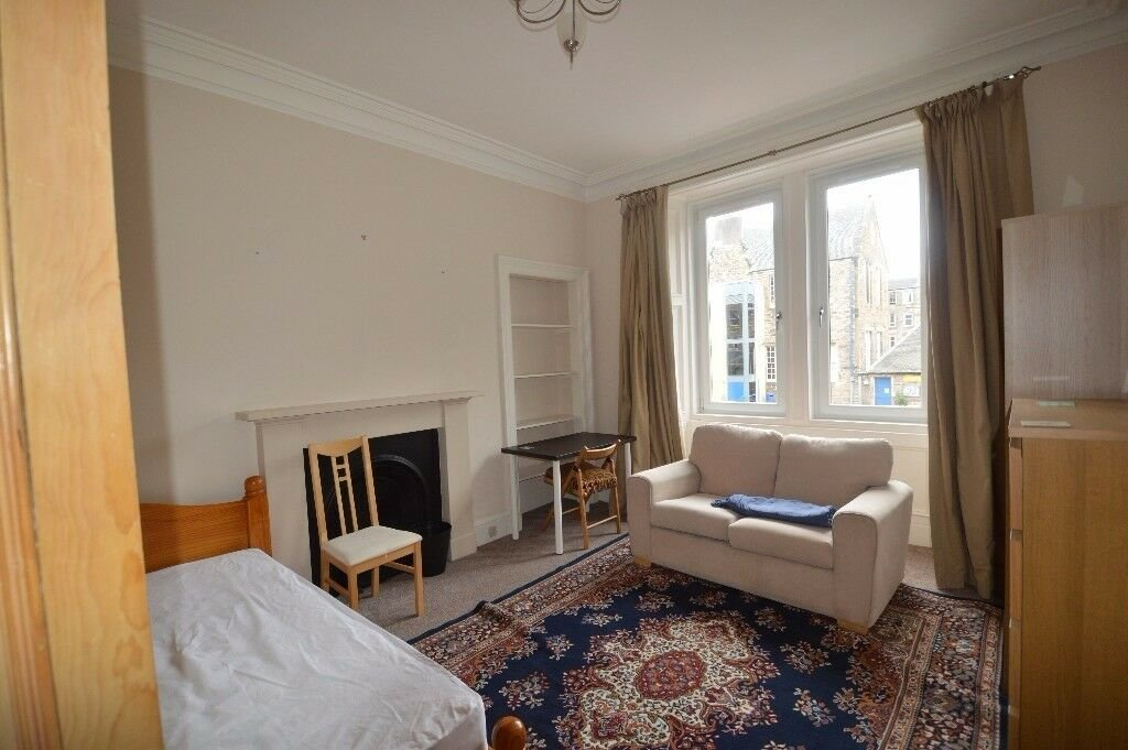 Best 3 Bedroom Furnished Hmo Flat To Rent On Cathcart Place With Pictures