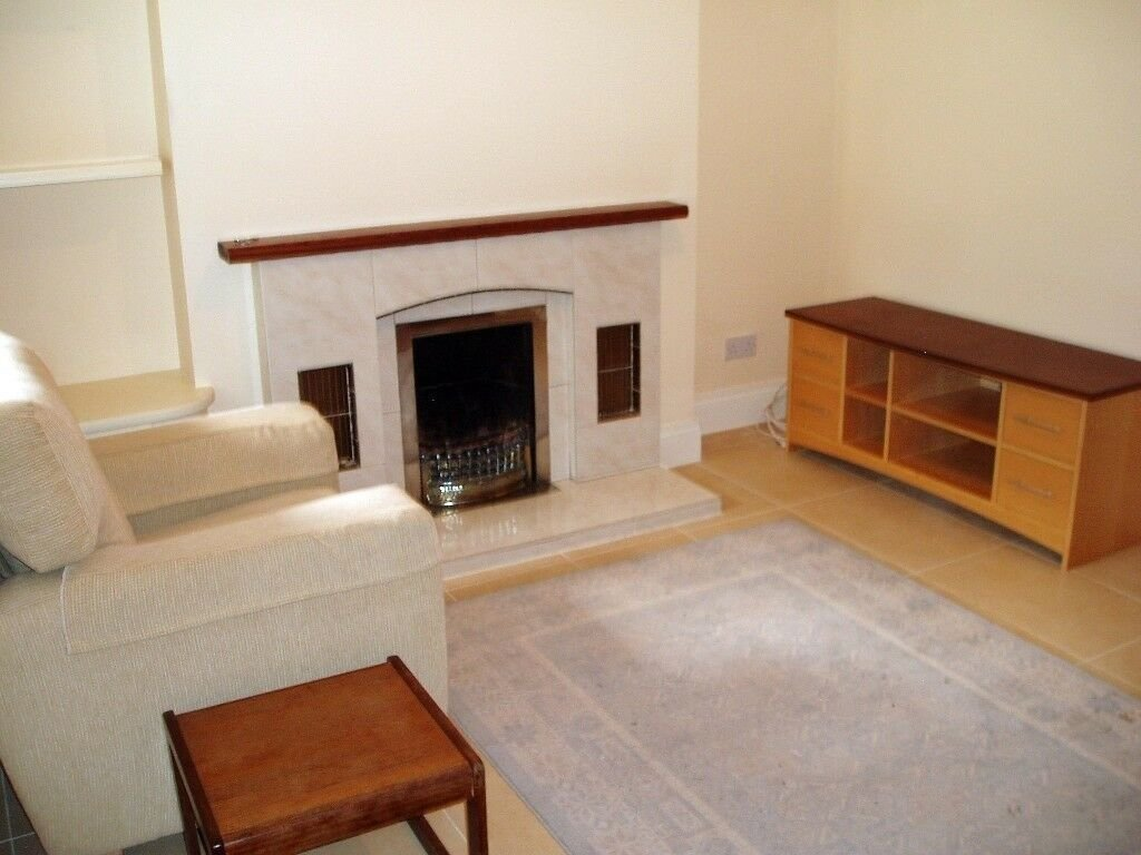 Best South Belfast Excellent One Bedroom Furnished Apartment With Pictures