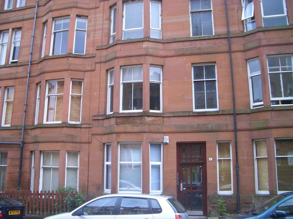 Best 1 Bedroom Flat Crathie Drive Thornwood West End With Pictures