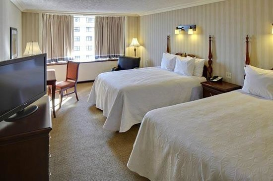 Best Executive Suite With Two Queen Beds Picture Of Galt House Hotel Louisville Tripadvisor With Pictures