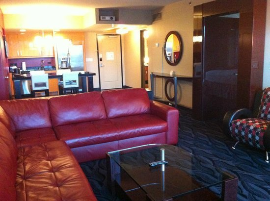 Best 1 Bedroom Suite Picture Of Elara By Hilton Grand With Pictures