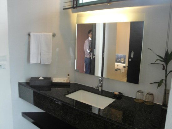 Best Wash Basin Area Between Living Room And Bedroom Picture With Pictures