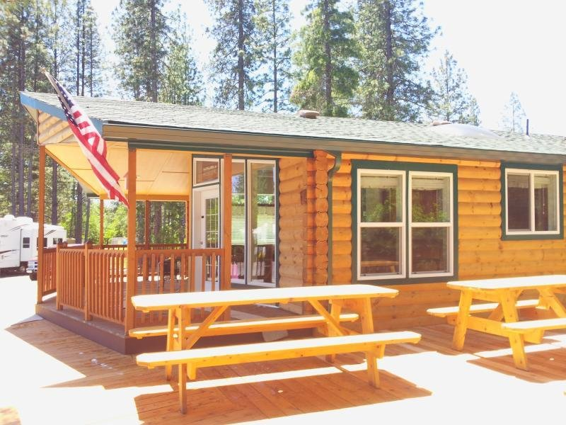 Best Beautiful 3 Bedroom Log Cabin With All Ammenities Updated With Pictures