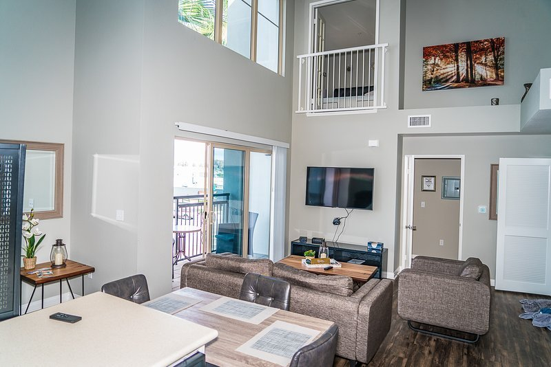 Best 2 Bedroom Elite Apartment At The Heart Of Downtown San With Pictures