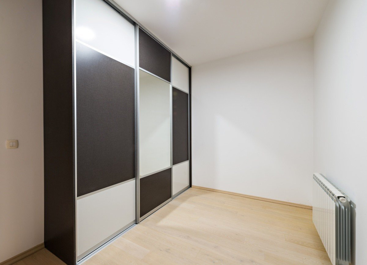 Best Stylish And Elegant Closet Doors For Bedrooms With Pictures