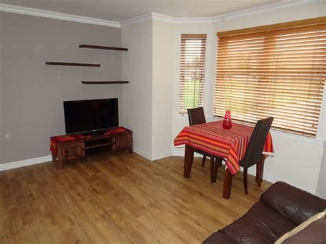 Best Martin Co Aberdeen 2 Bedroom Flat Let In Albury Mansions With Pictures