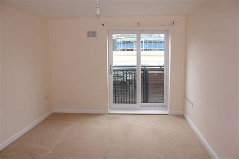 Best Whitegates Wolverhampton 2 Bedroom Flat To Rent In Broad With Pictures