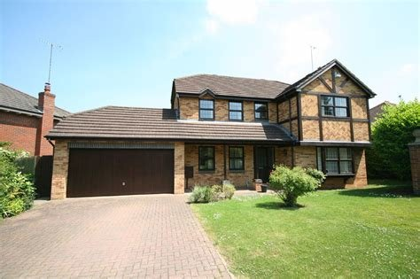 Best Cj Hole Cheltenham 4 Bedroom House To Rent In Redgrove With Pictures
