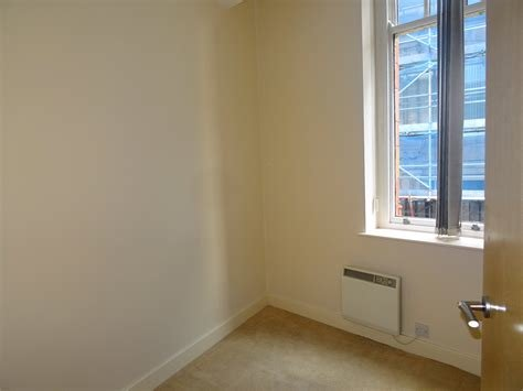 Best Whitegates Bradford 2 Bedroom Flat To Rent In Ivegate With Pictures