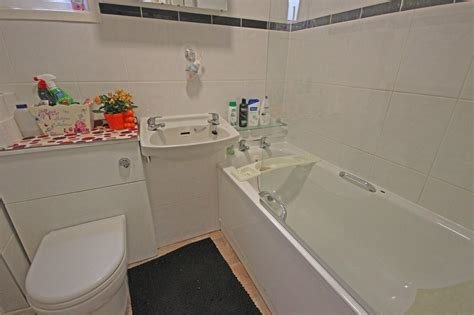 Best Whitegates Leicester 1 Bedroom Flat To Rent In Ambassador Road Leicester Le5 Whitegates With Pictures