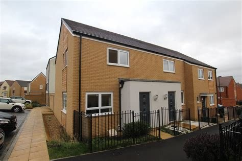 Best Cj Hole Bradley Stoke 2 Bedroom House To Rent In Gascoigns Way Charlton Hayes Bristol Bs34 Cj Hole With Pictures