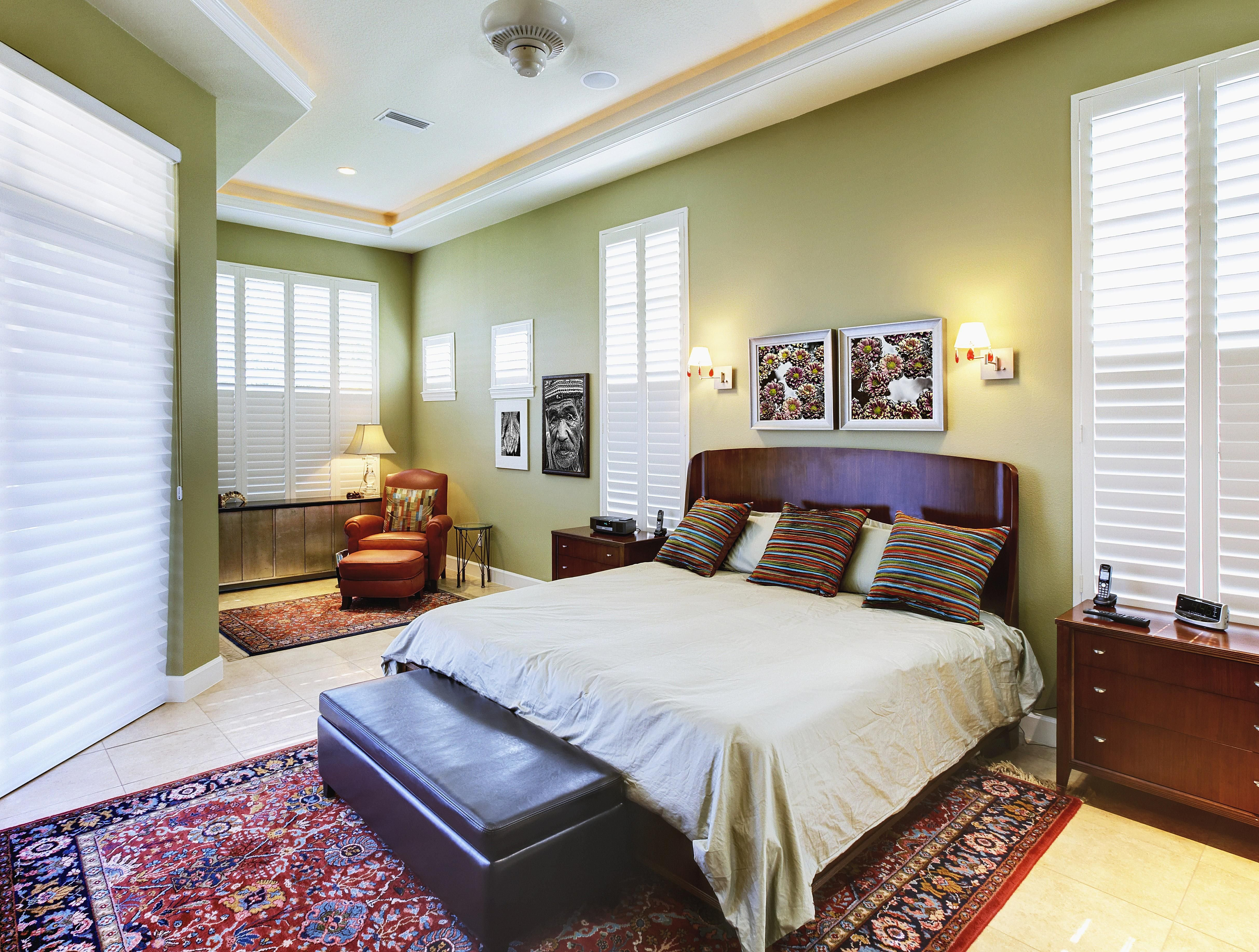 Best How To Choose The Right Size Area Rug For Your Bedroom With Pictures