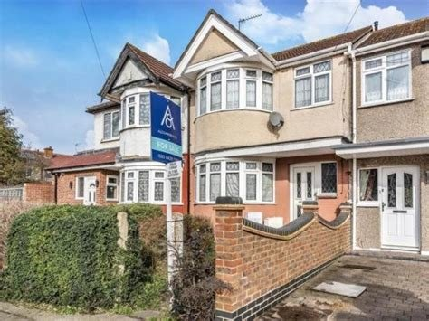 Best 3 Bedroom House For Sale In Harrow Alexander Co With Pictures