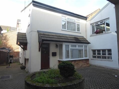 Best 1 Bedroom Flat To Rent In Luton Alexander Co With Pictures