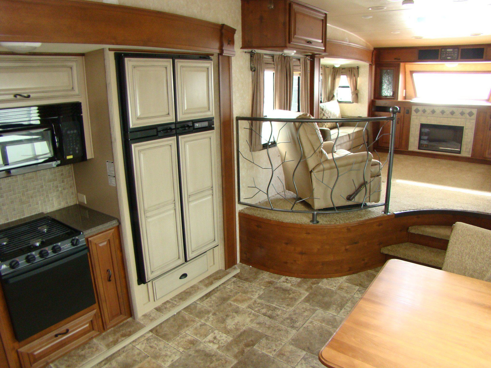 Best 5Th Wheel Camper Rving Is Easy At Lerch Rv With Pictures