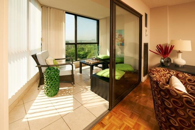 Best Brampton 1 Bedroom Apartments At Queen Dixie Silver With Pictures
