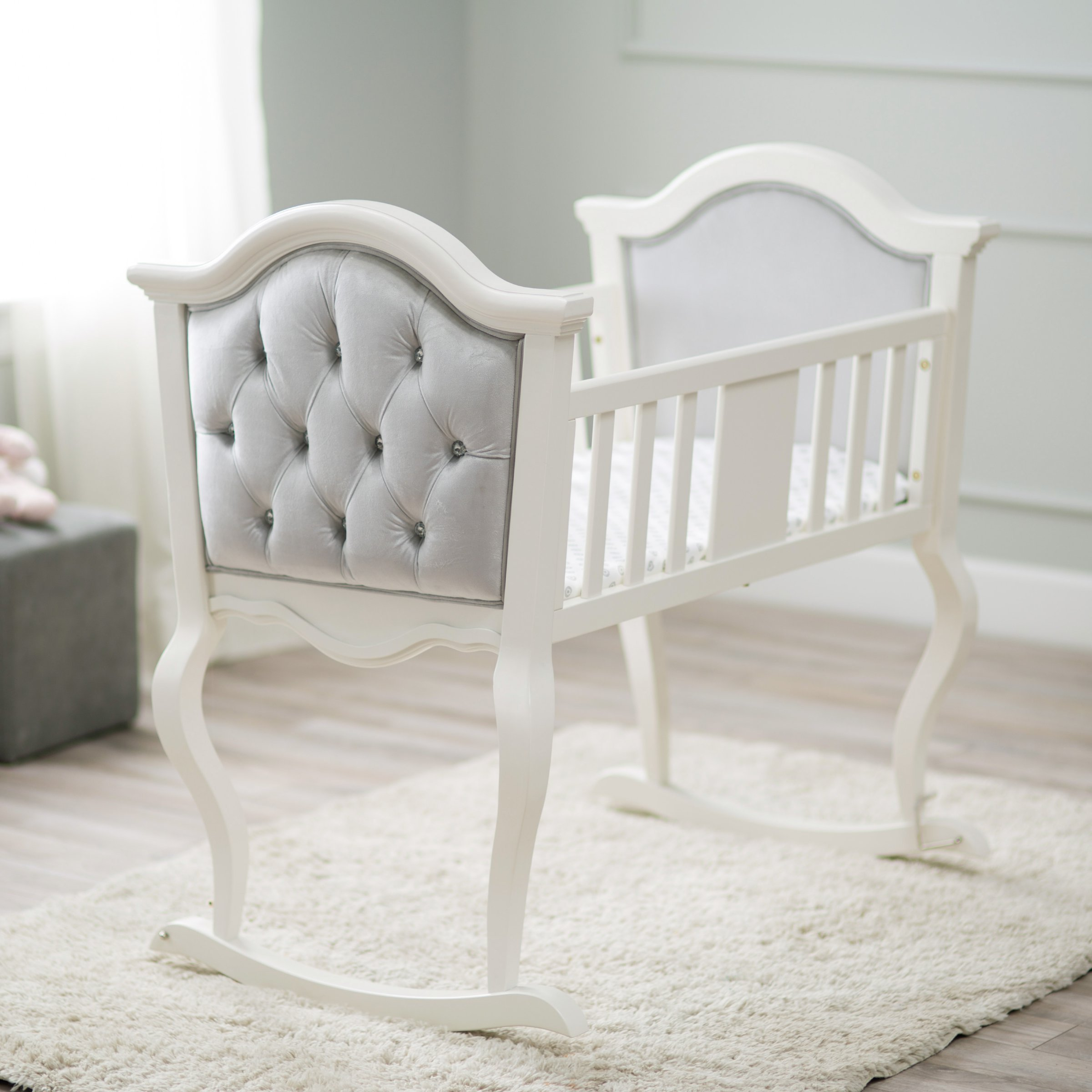 Best 7 Stylish Baby Bassinets You Ll Actually Want In Your Bedroom With Pictures