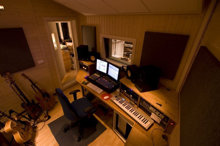 Best 4 Foolproof Ways To Make Your Home Studio Sound Better With Pictures