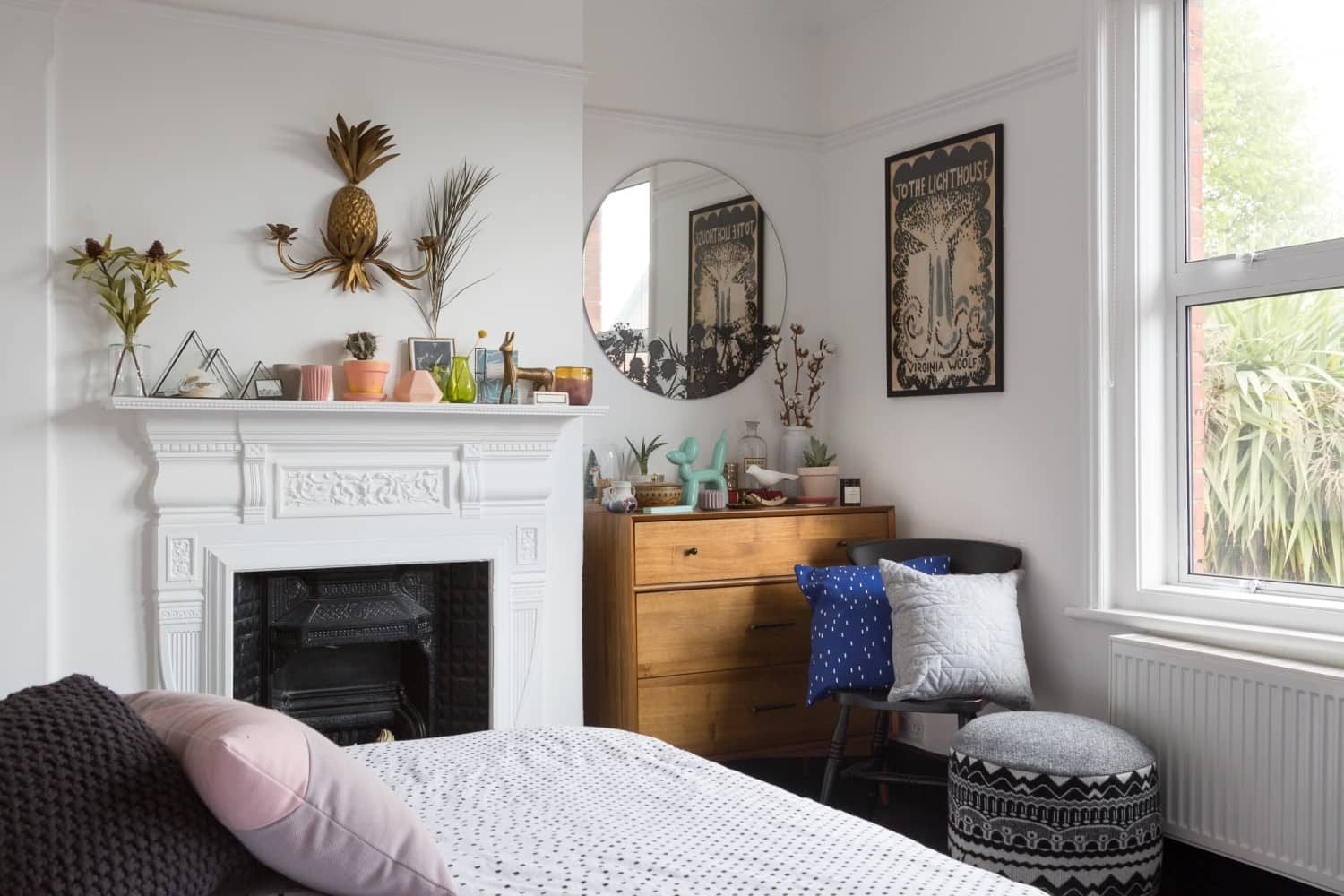 Best Small Bedroom Ideas 7 Smart Ways To Get More Storage In With Pictures
