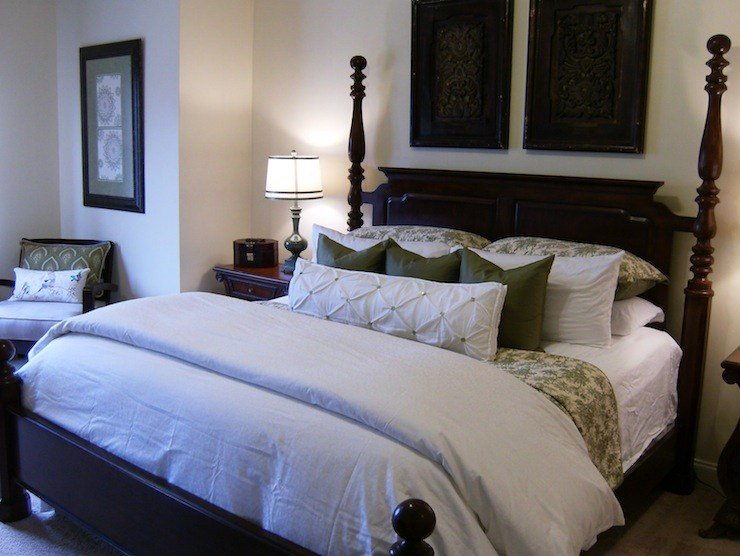 Best White And Green Bedding Traditional Bedroom Valspar Crafted White With Pictures
