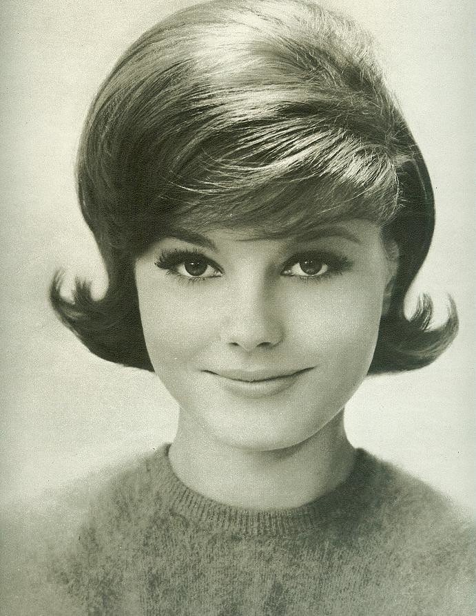Free Classic Early 60 S Hairstyle From Seventeen August 1962 Wallpaper