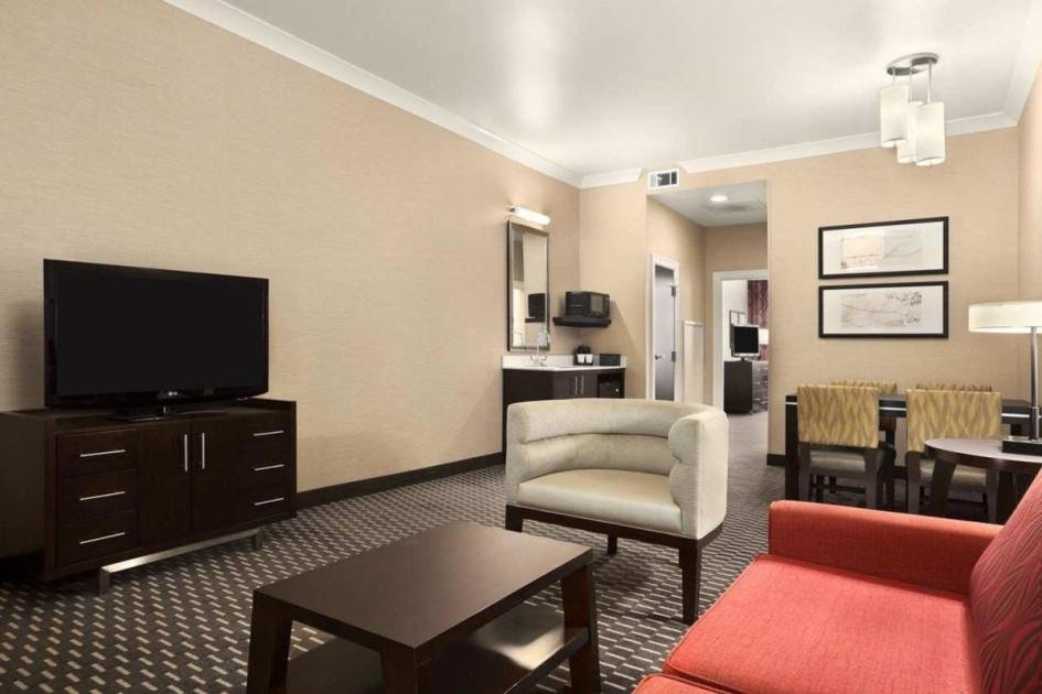 Best 2 Room Suite 1 King Bed 1 Bedroom Non Smoking At With Pictures