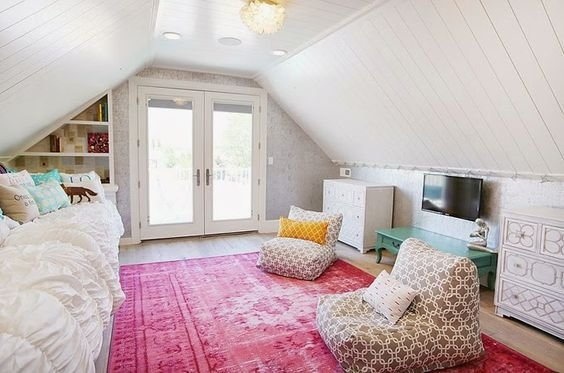 Best T**N Attic Bedroom Four Chairs Furniture Beautiful With Pictures