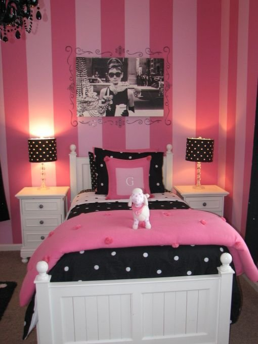 Best Gracies Pink And Black Bedroom We Decided To Paint All 4 Walls It May Seem A Bit Crazy But My With Pictures