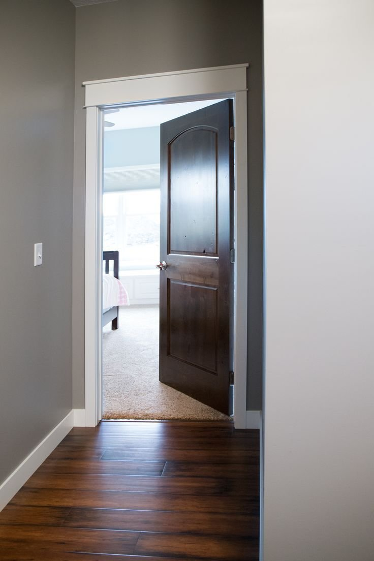 Best Interior Doors White Trim And Door Topper Paired With A With Pictures