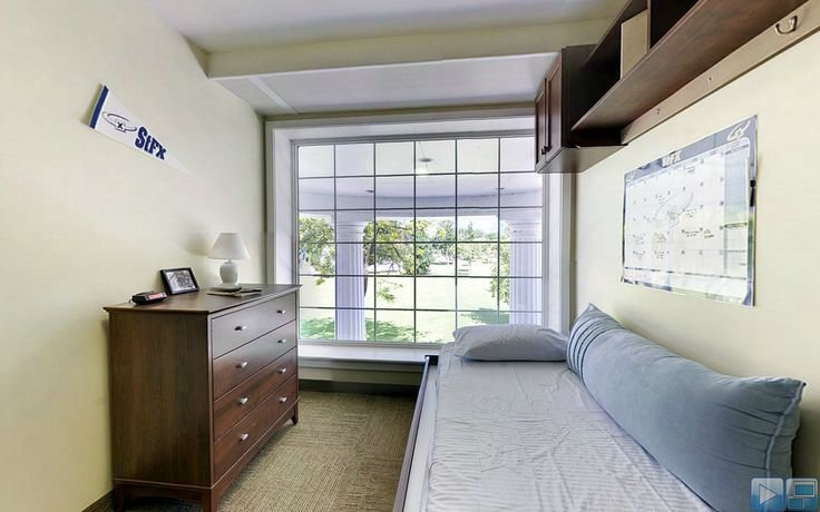 Best Dresser Bed And Overhead Storage In Bishops Window Is With Pictures