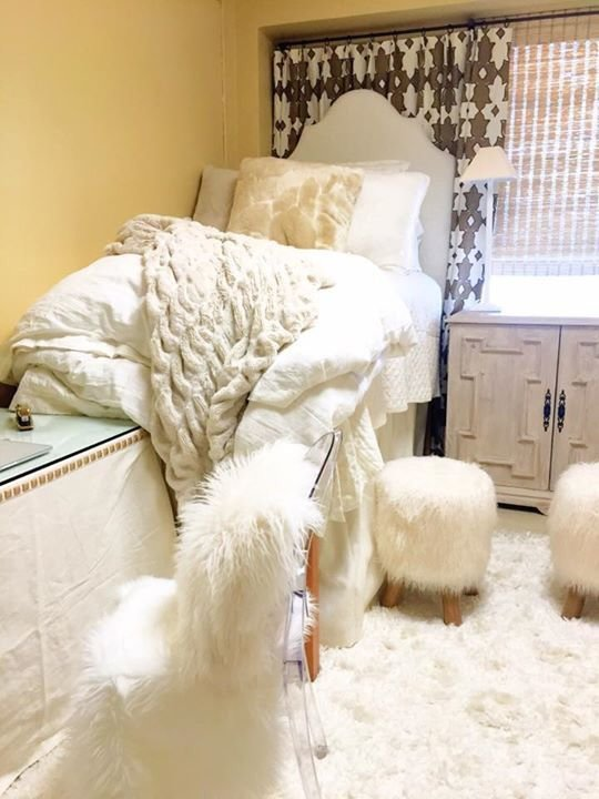Best 25 Best Ideas About Fuzzy Rugs On Pinterest White Bedding Cozy Dorm Room And Beautiful Curtains With Pictures
