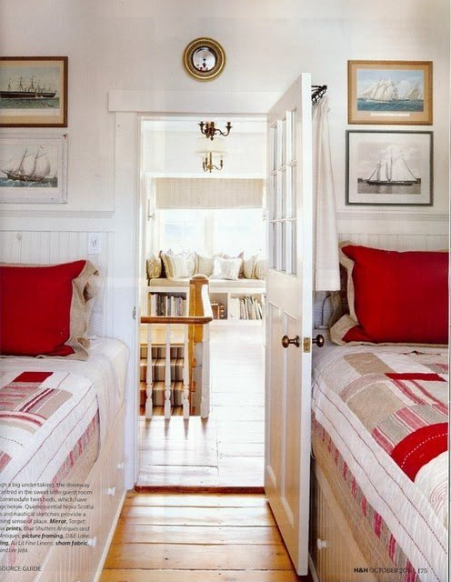 Best 25 Best Ideas About Very Small Bedroom On Pinterest Tiny Bedroom Design Beds For Small Rooms With Pictures