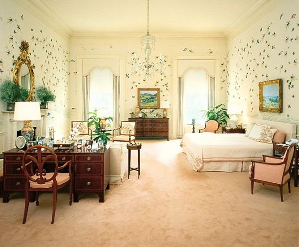 Best President S Bedroom Reagan Holding Pen Pinterest With Pictures