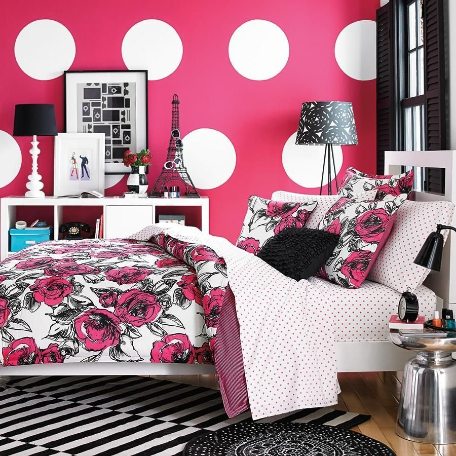 Best Colorful Vogue Bedding Design With Pink White Wallpaper With Pictures
