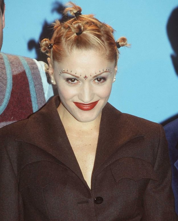 Free The 19 Most Important Women S Hairstyles Of The 90S Wallpaper