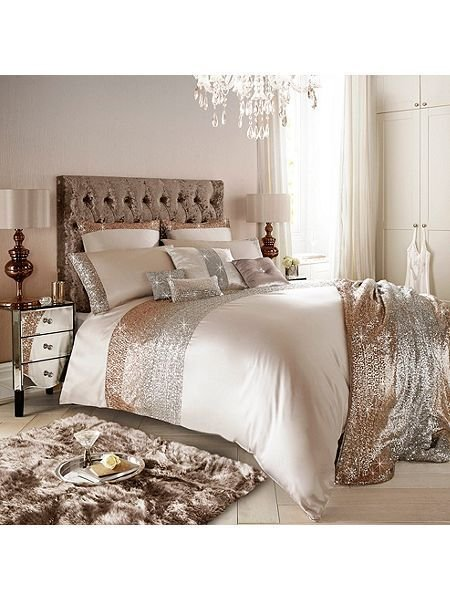 Best Mezzano Or Rose Housewife Taie Decor Master Suites With Pictures