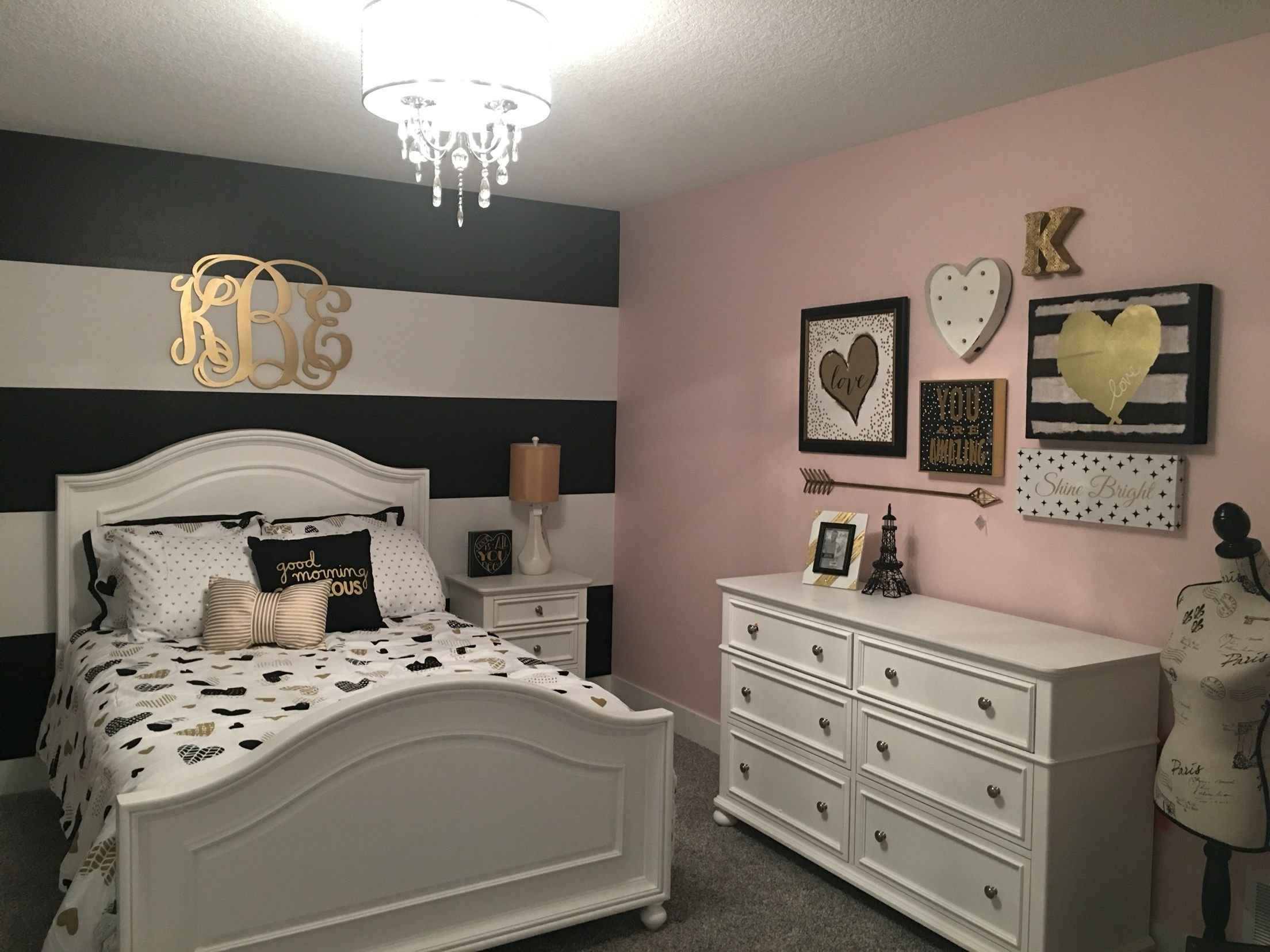 Best I Love The Way This Black And Gold Room Turned Out The With Pictures