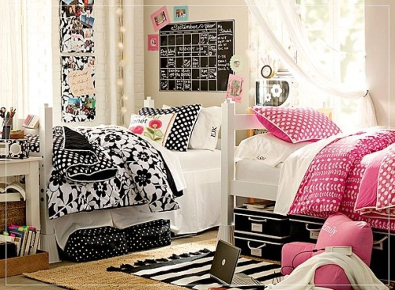 Best Dorm Room Decor Ideas For Your Bare Walls Dorm Room With Pictures
