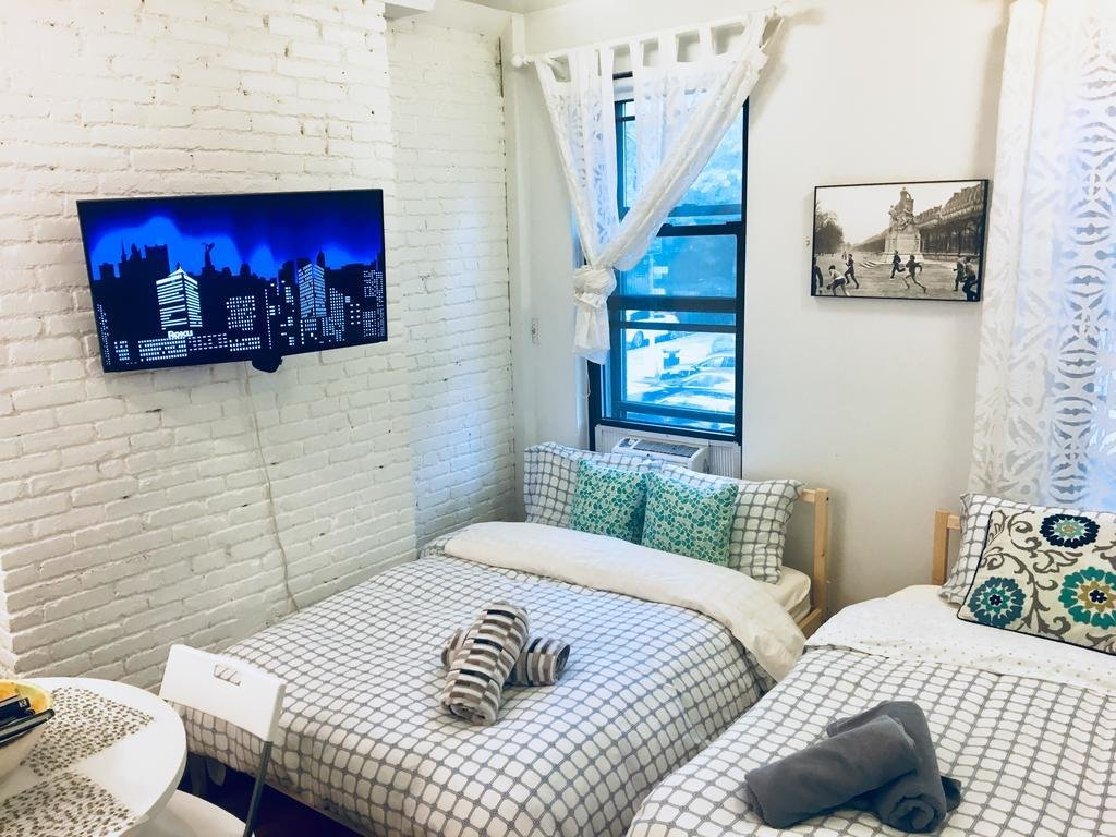 Best Upper East Side 2 Bedroom Close To Everything Central Park Metro 5Th Ave Museums New York With Pictures