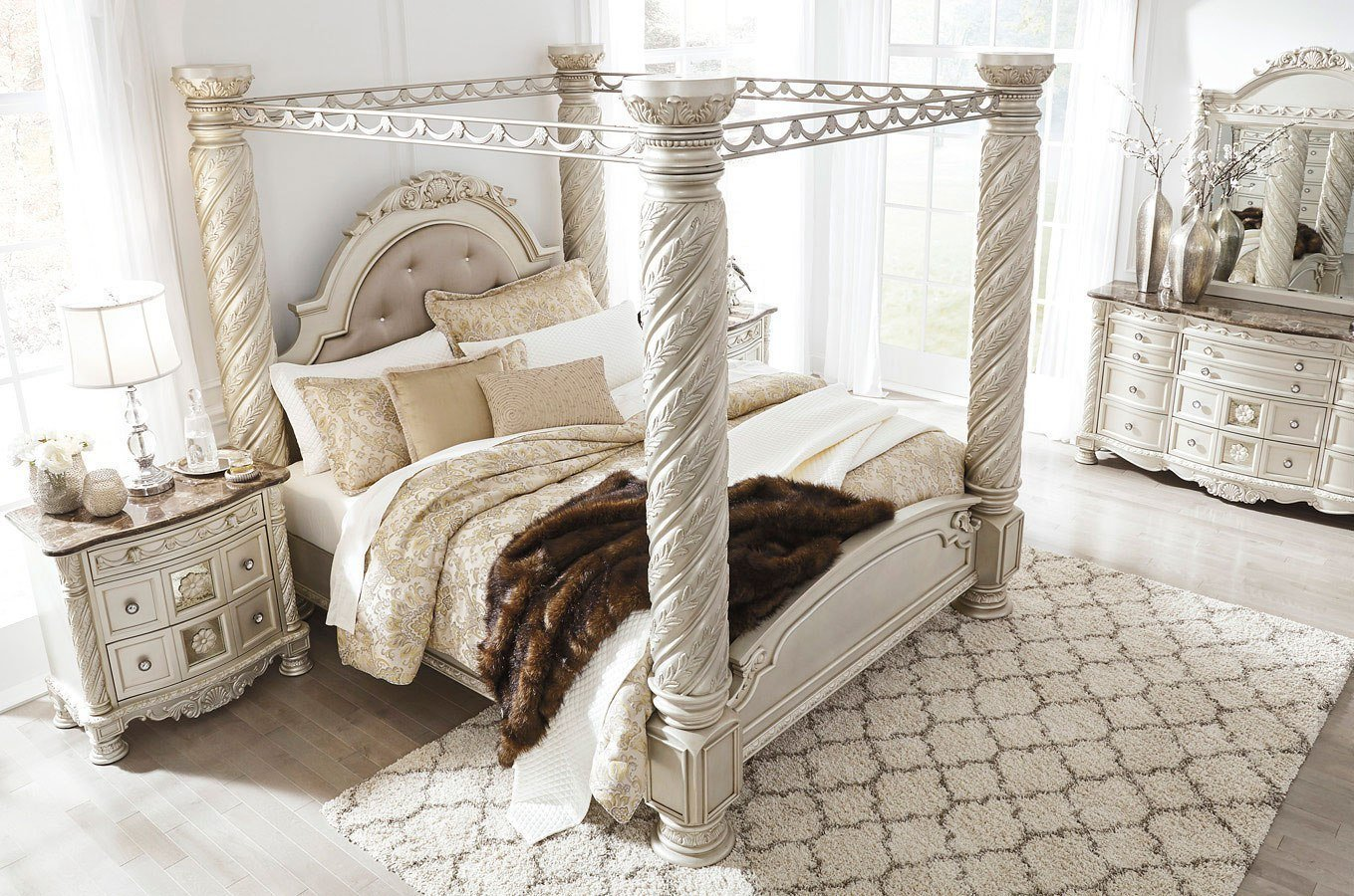 Best Cassimore Canopy Bedroom Set Signature Design 3 Reviews With Pictures
