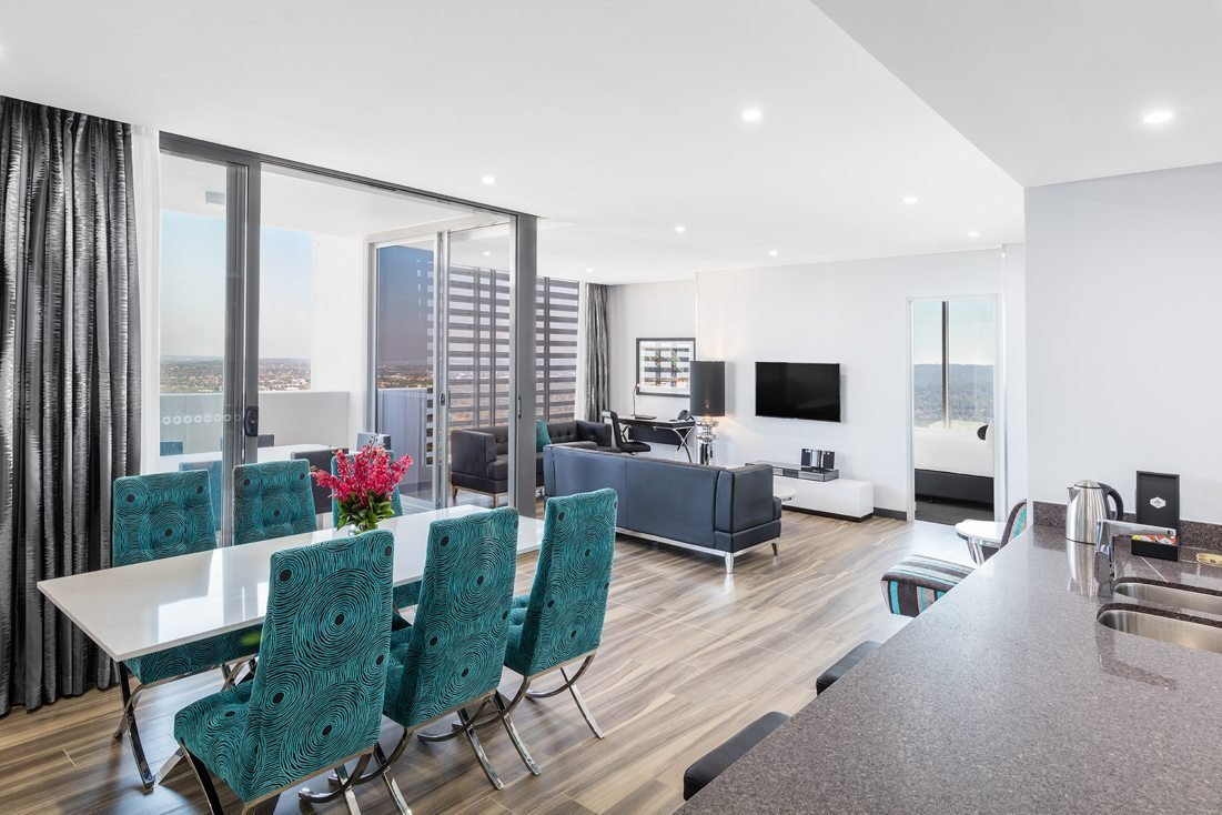 Best 3 Bedroom Altitude Suite Chatswood Meriton Suites With Pictures