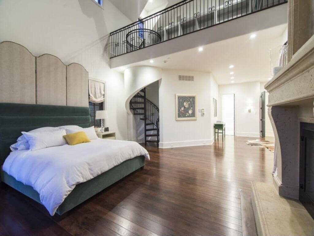 Best 54 Lofty Loft Room Designs With Pictures
