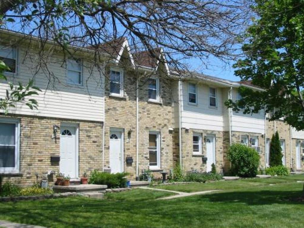 Best Huron Meadows Townhouses For Rent London York Property With Pictures